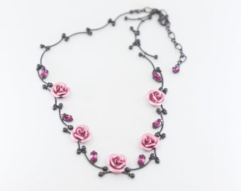 pink rose black chain necklace pretty floral flower vintage costume fashion fantasy articulated metallic jewellery choker style c1990s 34cm