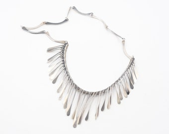 silver bib fringe necklace hallmark 925 S vintage modernist brutalist ethnic style statement jewellery light gunmetal two tone grey 26g