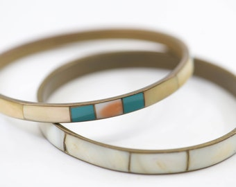 vintage mother of pearl MOP inlaid metal bangles one pair slim width French spacer bracelets white green brass metal one size boho jewellery