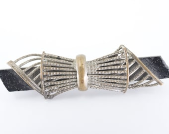 old brooch pin antique art nouveau Czech vintage filigree ribbon shape silver tone black glass jewellery stamp made in Czechoslovakia c1920s