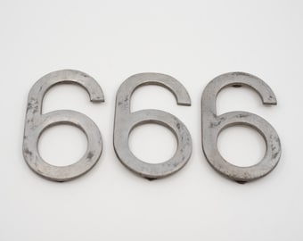 """salvaged number 6 or 9 French vintage industrial metal six sign stencil cut out silver tone aluminium 10cm 4"""" midcentury mod loft deco 1960s"""