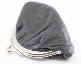 coin purse French vintage black leather lined midcentury modern silver tone decorative metal clasp very small mini porte monnaie retro pouch