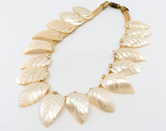 art deco choker necklace mother of pearl hand carved leaf woven thread brass clasp French vintage necklace sea shell wedding jewellery 1930s
