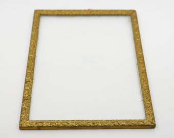 picture frame wood glass centre French antique country home decor ornate carved slim picture photo frame for the wall gold gilt tone finish