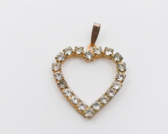 heart pendant strass paste gold tone metal French vintage love valentine gift midcentury modern jewellery craft supply made in France c1960s