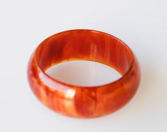 bakelite chunky bangle amber retro orange marbled effect French vintage early plastic positive test 55g collectible jewellery rare 1950s