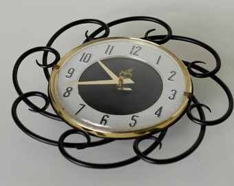 wall clock French vintage midcentury modern wall decor JAPY electrique black gold MCM made in France 1960 battery not included working