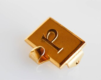 buckle P initial vintage clasp craft finding clip alphabet letter midcentury modern gold tone metal supplies made in France brevetė sgdg 50s
