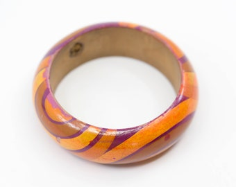 wood bangle chunky retro psychedelic purple orange red hand painted wrist jewellery French vintage statement boho fashion accessory c.1960s