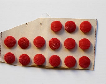 """buttons French vintage red round textured surface lot of 15 shiny 0.7"""" shank hole plastic buttons midcentury modern sew craft supplies 60s"""