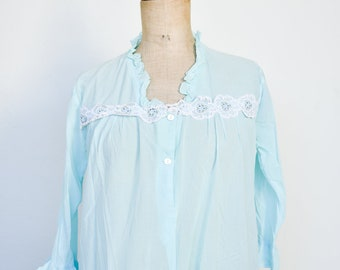 french vintage robe de nuit chemisette turquoise white lace trim 3/4 sleeve frilly sheer button v shirt front medium adult size FR 42 1950s