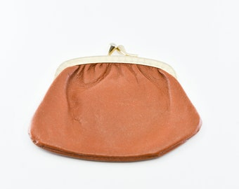 coin purse French vintage genuine tan leather small porte monnaie single compartment pouch old gold clasp suede inside made in France 1970s