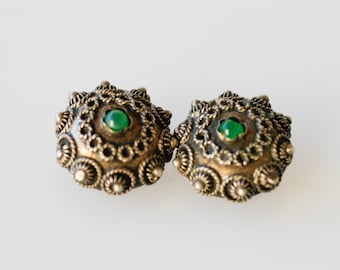 antique silver clip on earrings hallmark 800 sterling jewellery twisted rope flower green chalcedony style small cabochon centre vintage 30s