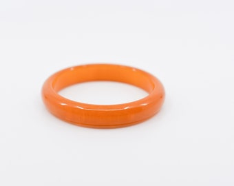 bakelite bangle bright retro orange light marble vintage spacer bracelet tested midcentury early plastic collectible jewellery French 1950s