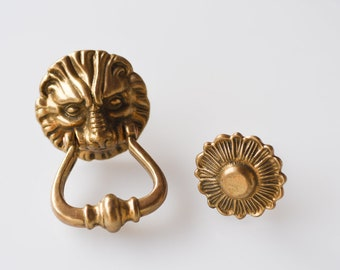 door knocker ring pad antique brass lion head motif vintage front door entrydoor handle architectural metal hardware ornate chateau chic