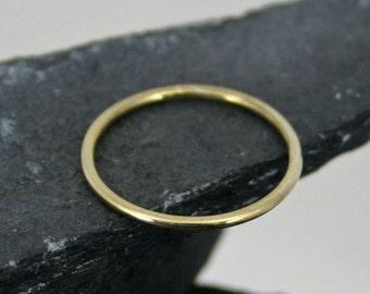 Gold Round Stacking Band – 14k yellow gold – one thin round– hand made jewelry – 14k gold