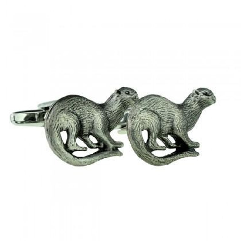 """Lovely Quality /""""Otter/"""" Pewter Pin"""