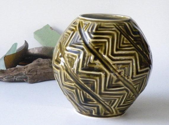 Irish Celtic Vase Kilrush Olive Green Zig Zag Design