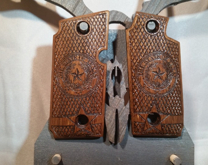Sig Sauer P238 TEXAS STATE SEAL Walnut engraved Grips