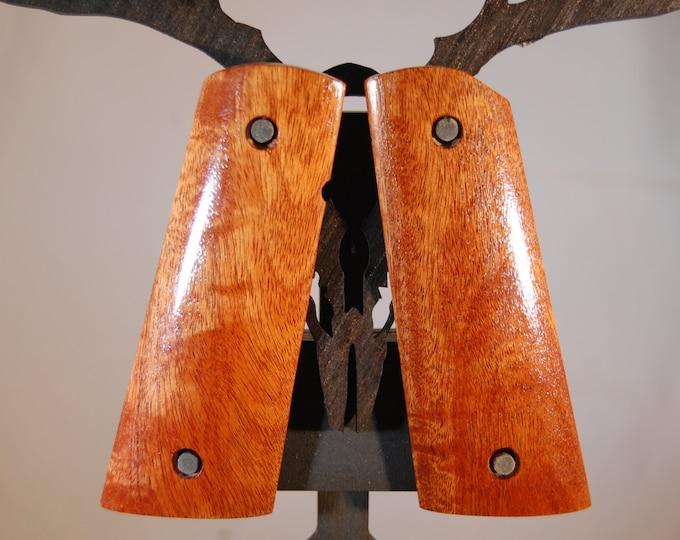 Chakte Kok 1911 Full size Grips (G11)