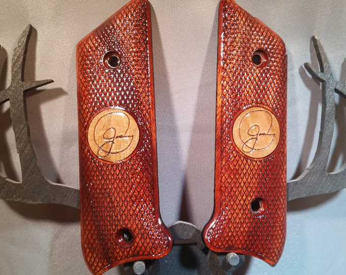 Ruger MkII Signature and inlay engraved Grips