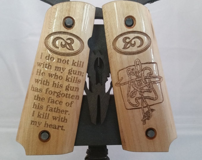 1911 Full Size Gunslinger Noose and Raven with Quote engraved MAPLE Grips