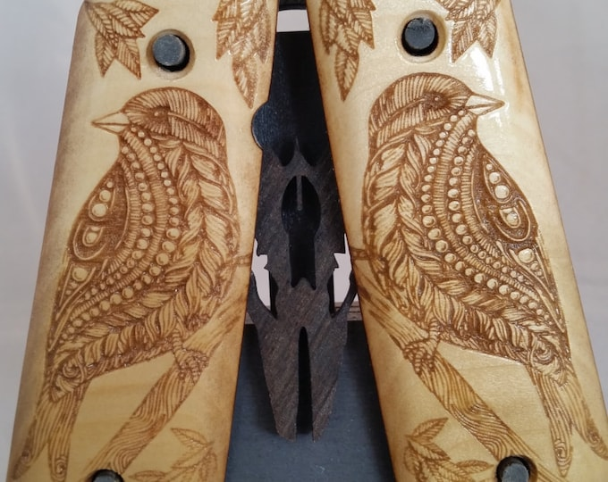 1911 Full Size Perched Bird Grips