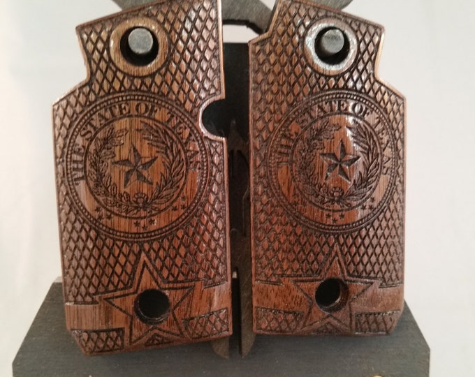 Sig Sauer P938 TEXAS STATE SEAL Walnut engraved Grips