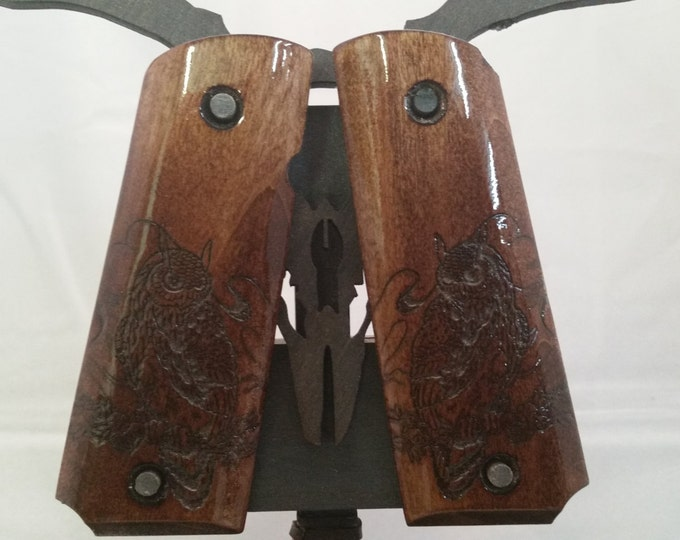 1911 Full size grips with Perched Owl engraving