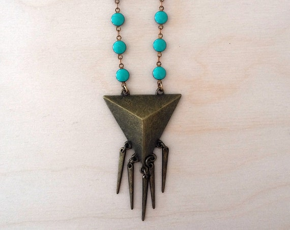 Geometric Triangle Spike Necklace