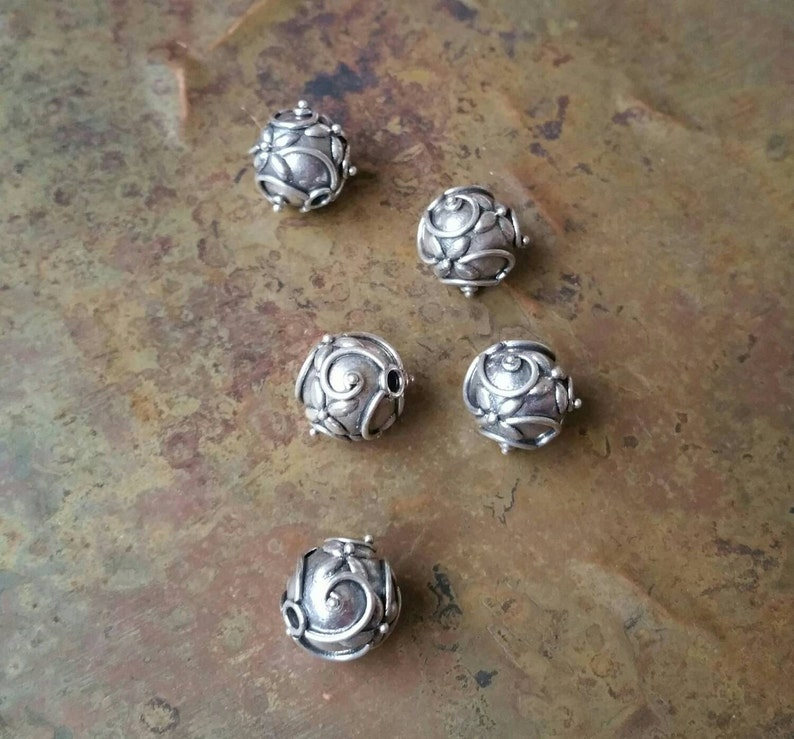 925 sterling  silver #1900 5 Intricate hand made antique silver Bali beads 10mm