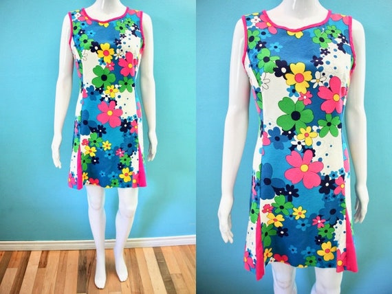 Hawaiian Dress 60's Colorful Mod Style Floral Kame