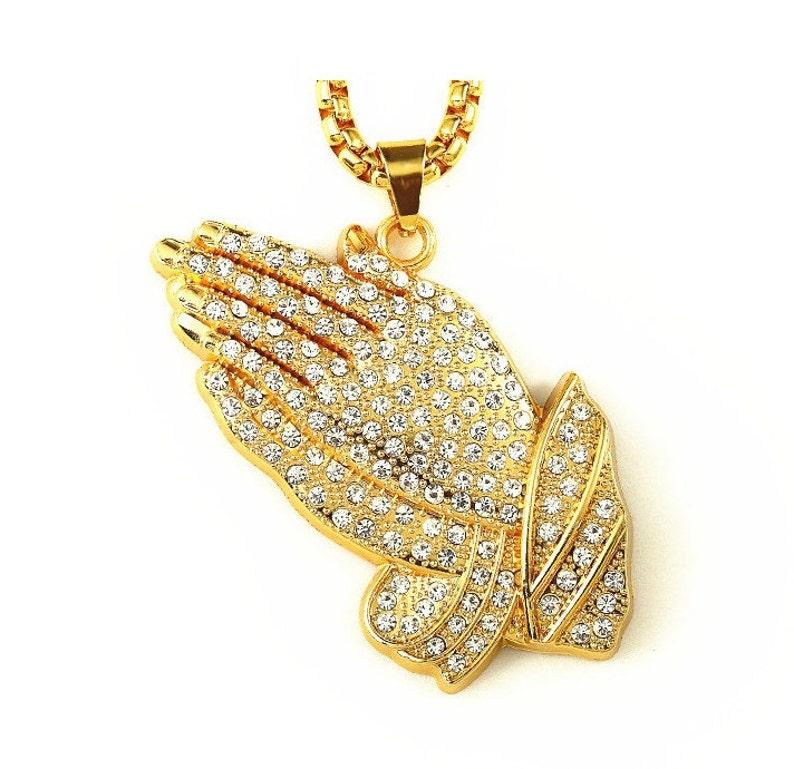 5d5b49ef907ba Mens Gold filled Iced Out pregando pendente di mani   30