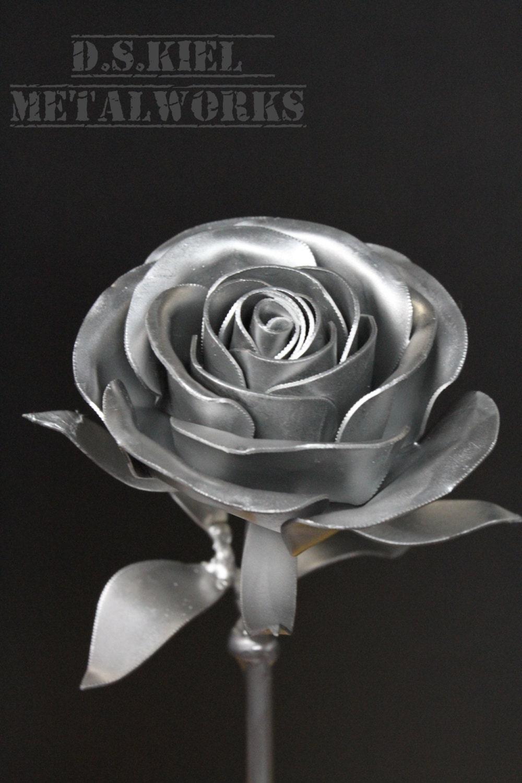 того, серебристые розы фото есть, как есть