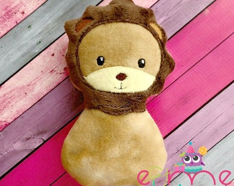 Lion Snuggler Embroidery Design