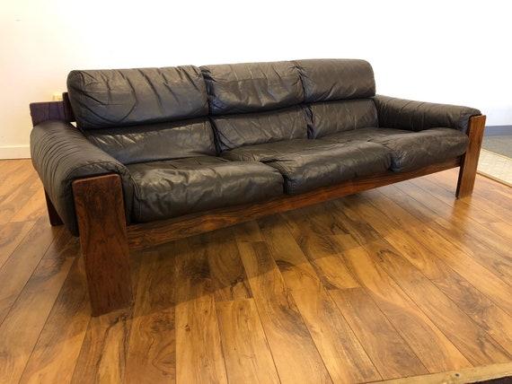 Marvelous Uu Vee Kaluste Oy Vintage Leather Sofa Theyellowbook Wood Chair Design Ideas Theyellowbookinfo