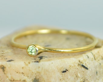 Tiny Peridot Ring, Peridot Stacking Ring, Solid 14k Gold Peridot Ring, Peridot Mothers Ring, August Birthstone, Dainty Gold  Peridot
