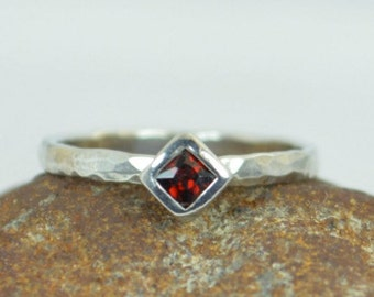 Square Garnet Ring, Garnet Solitaire, Garnet White Gold Ring, January Birthstone Ring, Square Stone Mothers Ring, Square Stone Ring