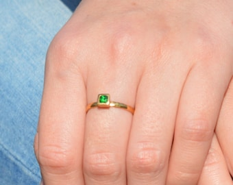 Square Emerald Ring, Gold Filled Emerald Ring, Mays  Birthstone, Square Stone Mothers Ring, Square Stone Ring, Gold Emerald Ring