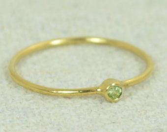 Tiny Peridot Ring, Gold Filled Ring, Stacking Ring, Dainty Peridot, Mother's Ring, Dainty Ring, August Ring, Peridot Ring, August Birthstone