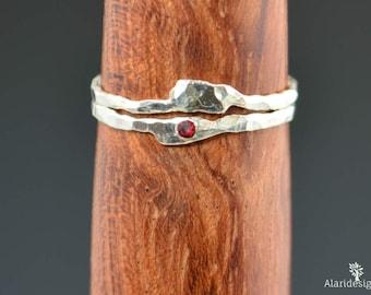 Freeform Garnet Ring, Mother's Ring, Garnet Stacking Ring, Mom Ring, Birthstone Rings, Garnet Ring, Stack Ring, Thin Silver Rings, Alari