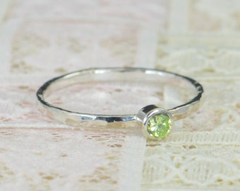 Peridot Engagement Ring, Sterling Silver, Peridot Wedding Ring Set, Rustic Wedding Ring Set, August  Birthstone, Sterling Silver Ring