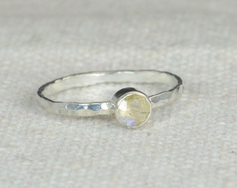 Small Silver Labradorite Ring, Sterling Silver Solitaire, Gray Stone Ring, Silver Jewelry, Gray Solitaire, Solitaire Ring, Silver Band