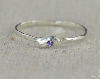 Freeform Amethyst Ring, Pure Silver, Stackable Rings, Mother's Ring, February Birthstone, Amethyst Birthstone Ring, Amethyst Ring