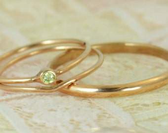 Tiny Peridot Ring Set, Solid 14k Rose Gold Wedding Set, Stacking Ring, Solid 14k Gold Peridot Ring, August Birthstone, Bridal Set, Peridot