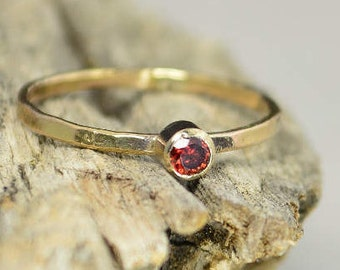 Solid 14k Gold Classic Garnet Ring,Gold Solitaire, Solitaire Ring, Solid Gold, January Birthstone, Mothers Ring, Solid Gold Band, Gold Ring