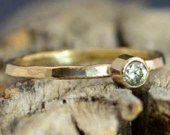 Classic Solid 14k Gold Peridot Ring, 3mm gold solitaire, solitaire ring, real gold, August Birthstone, Mothers RIng, Solid gold band, gold