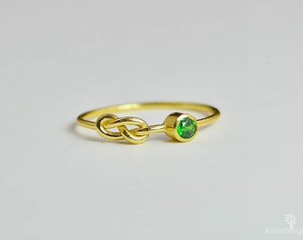 14k Gold Emerald Infinity Ring, 14k Gold Ring, Stackable Rings, Mother's Ring, May Birthstone, Gold Infinity Ring, Gold Knot Ring