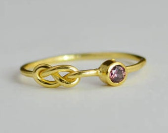 14k Gold Alexandrite Infinity Ring, 14k Gold Ring, Stackable Rings, Mother's Ring, June Birthstone Ring, Gold Infinity Ring, Gold Knot Ring