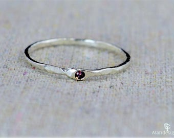 Freeform Alexandrite Ring, Pure Silver, Stacking Rings, Mothers Ring, June Birthstone Ring, Alexandrite Birthstone Ring